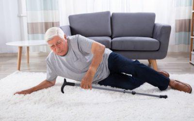 Cadute negli anziani: come prevenire gli incidenti domestici