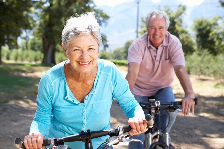 Anziani in bicicletta per restare autonomi e in forma