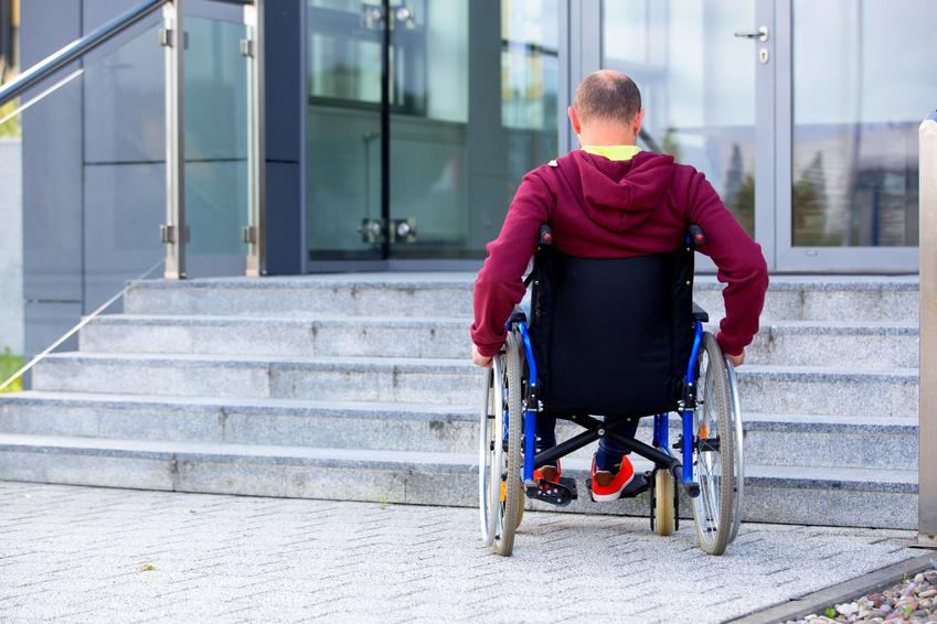 Disabilità e accessibilità: quali sono le normative in tema di barriere architettoniche