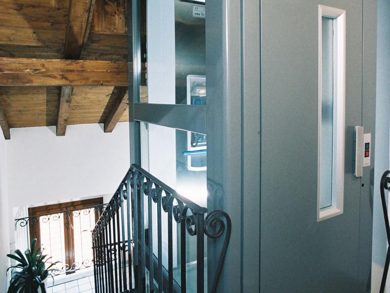 Quali sono le norme che regolano l'installazione di un ascensore per disabili in condominio