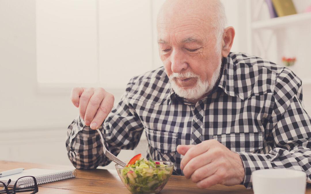 Alzheimer e anziani, mangiare bene aiuta la prevenzione