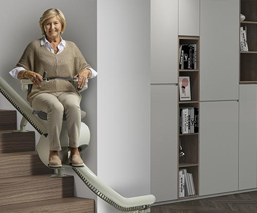 Blue_Chair_Woman_sitting_step2-min-min (1) (1)