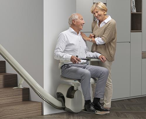 Blue_Chair_man_sitting-step3-min (1)